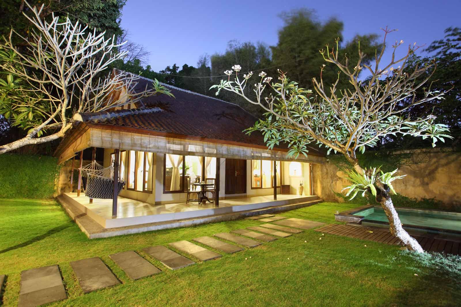 Pool villa seminyak one bedroom closed living villa for Seminyak villas 1 bedroom